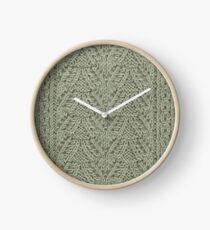 Pendant Purls - Sage Clock