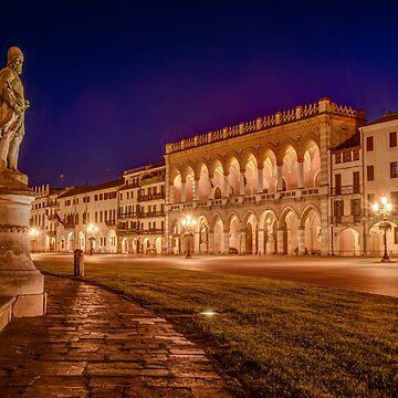 Prato della Valle, Padova, Italy by eschlogl