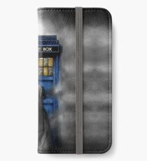 Mysterious man in the mist iPhone Wallet/Case/Skin