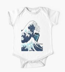 Phone booth vs The Great wave One Piece - Short Sleeve