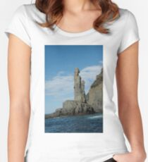 Bruny Island. Women's Fitted Scoop T-Shirt