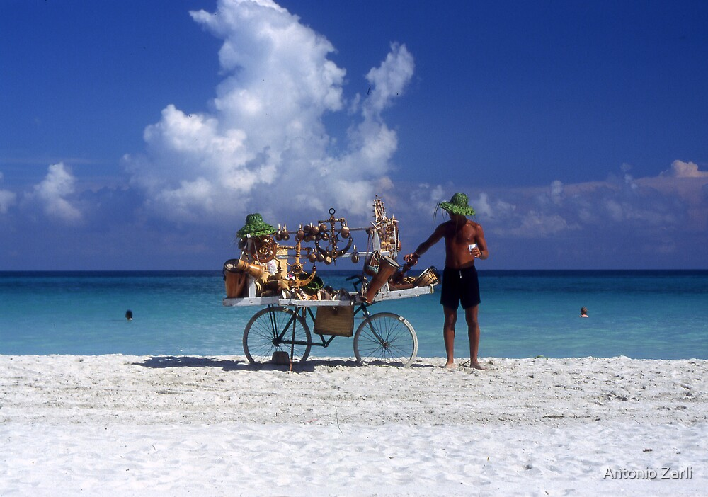 Selling in Varadero by Antonio Zarli