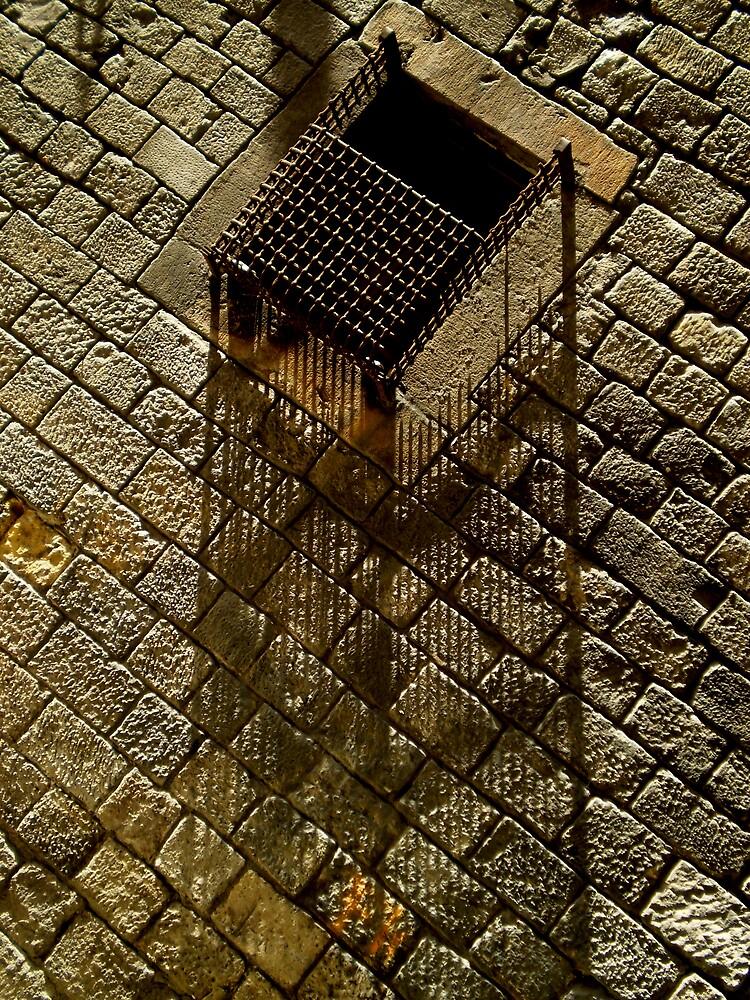 barcelona_-_sombras_de_reja_en_ventana by comandantecm