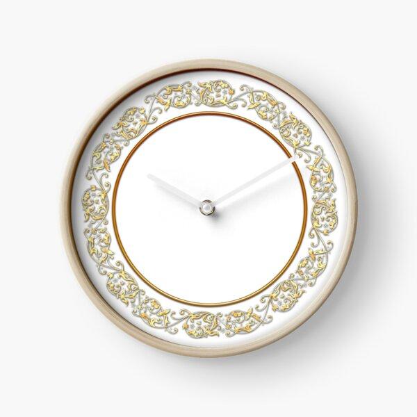 Saucers Pattern Clock