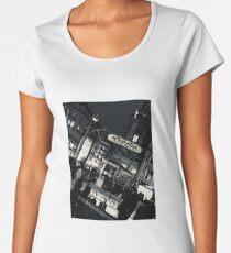 Metro, Paris, en hiver Women's Premium T-Shirt