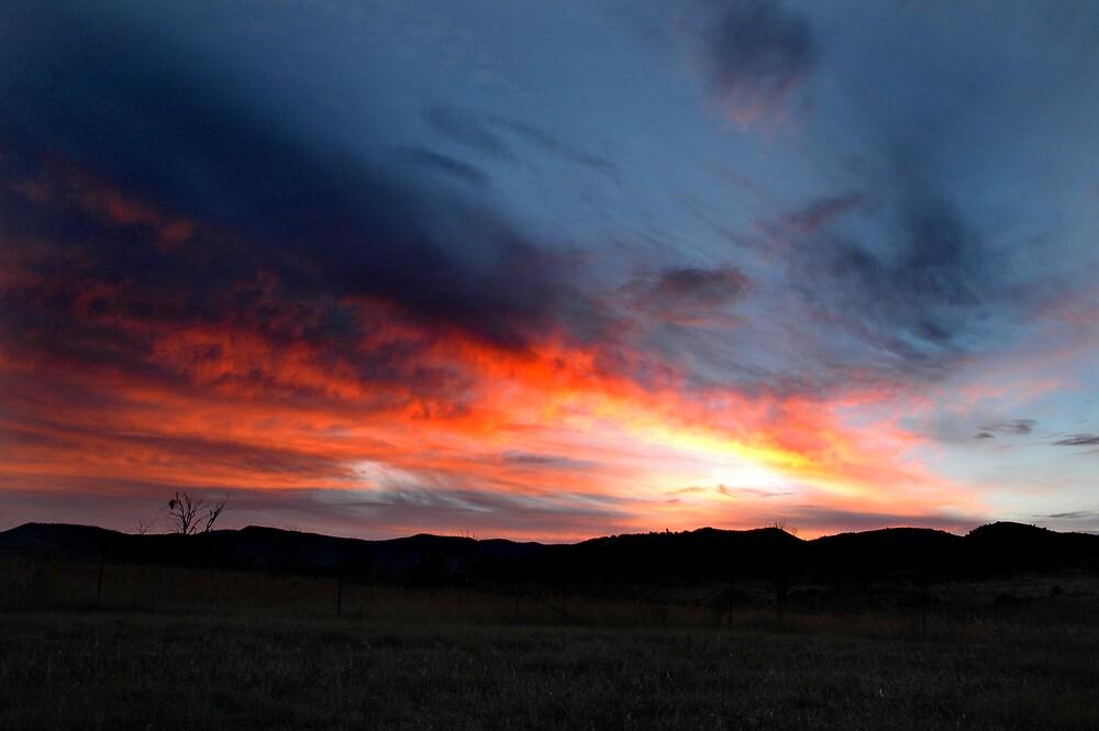 Ooohhhh... nice sunset tonight... by Rachel81