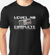 Level 40 Complete 1978 Gamer 40th Birthday Gift Slim Fit T-Shirt