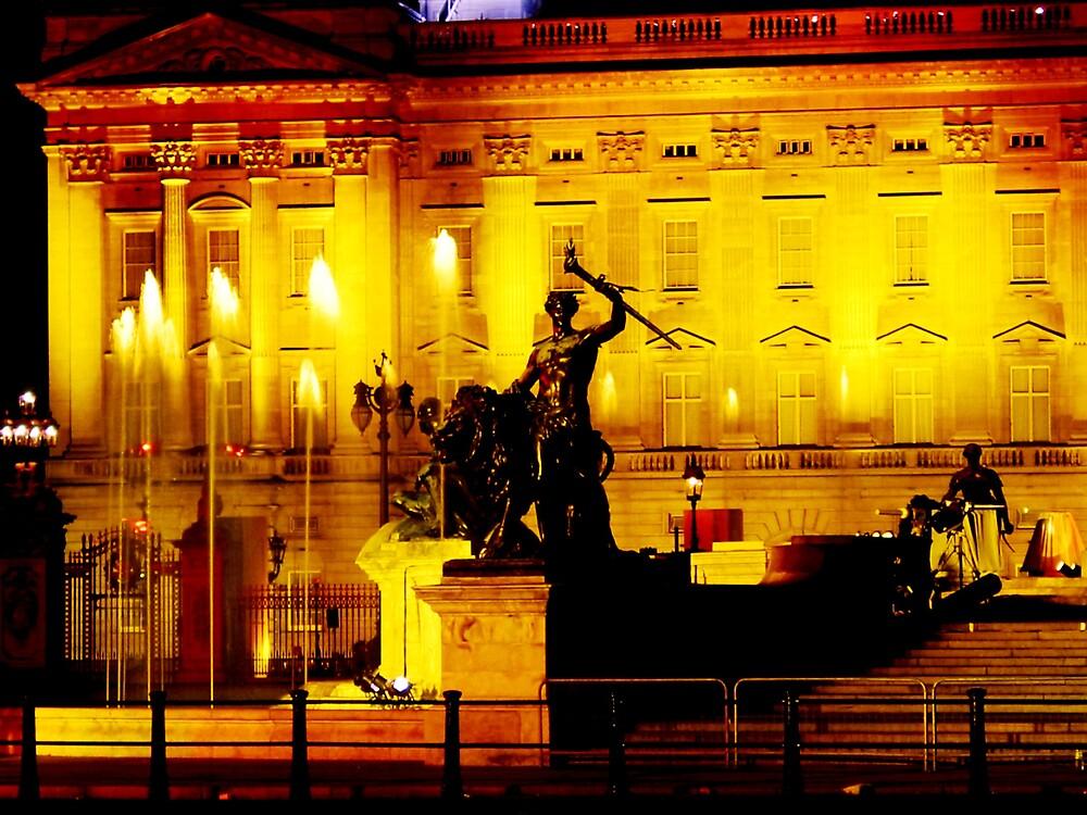 Buckingham Palace lightshow by Jeff Barnard