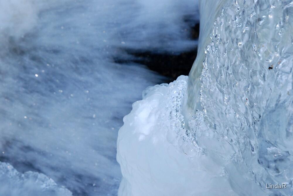 Ice Art... by LindaR