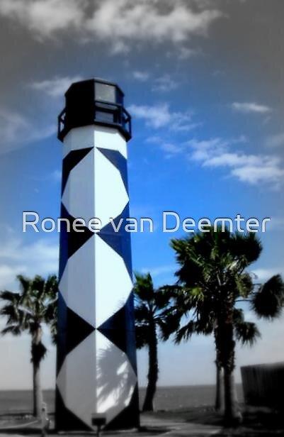 Lighthouse in Kemah, Texas by Ronee van Deemter