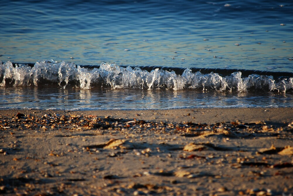 Waves by Davide Loren