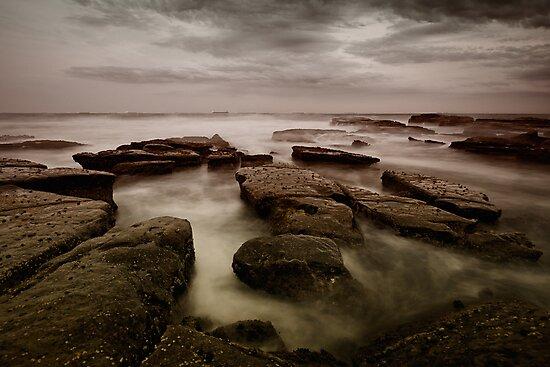 Bar Beach Rock Platform by Mark Snelson