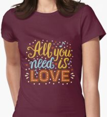 All you need is love Women's Fitted T-Shirt