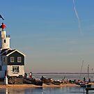 Lighthouse 2 by Robert Abraham