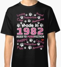 Made In 1982 Aged To Purrfection - Birthday Shirt For Cat Lovers Classic T-Shirt