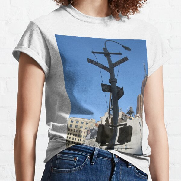 New York, Traffic signs, City pillar, Traffic lights, Buildings, Skyscrapers, Sky Classic T-Shirt