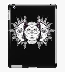 Vintage Retro Sun and Moon Solar Eclipse iPad Case/Skin