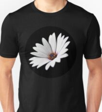 Daisy flower blooming close-up Unisex T-Shirt