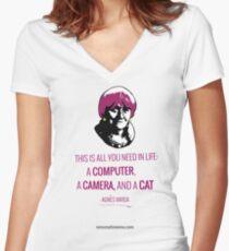 Agnès Varda, le bonheur Women's Fitted V-Neck T-Shirt