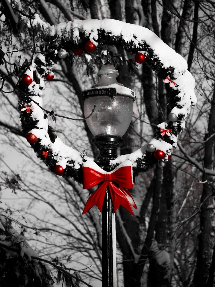 Holiday Lamp Post by Rae Tucker