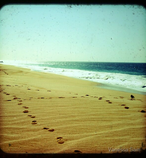BEACH BLISS - Footprints by Vanessa Sam