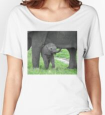 Baby African Elephant with mother Women's Relaxed Fit T-Shirt