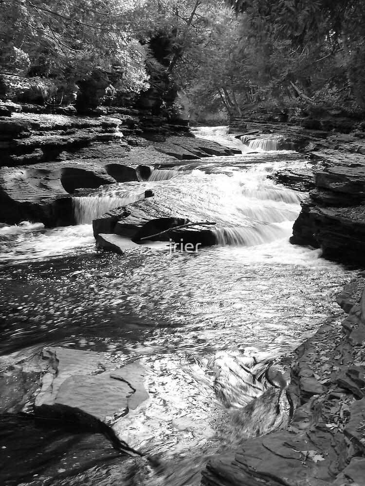 Presque Isle river by jrier