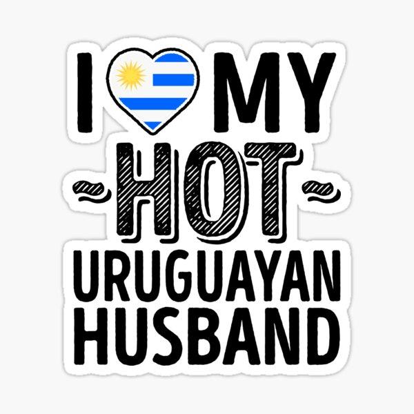 Amo a mi marido uruguayo CALIENTE - Cute Uruguay Parejas Amor romántico Camisetas y calcomanías Pegatina