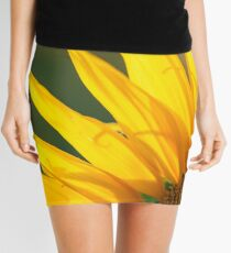 Sunflowers in a field in the afternoon. Mini Skirt