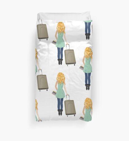 Frau mit Koffer 3 Bettbezug