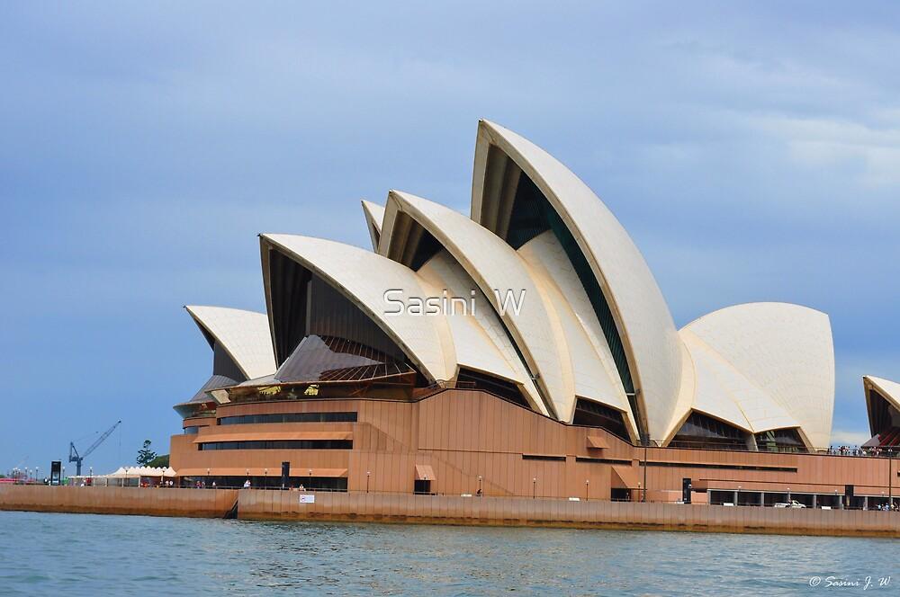 Sydney Opera House by Sasini  W