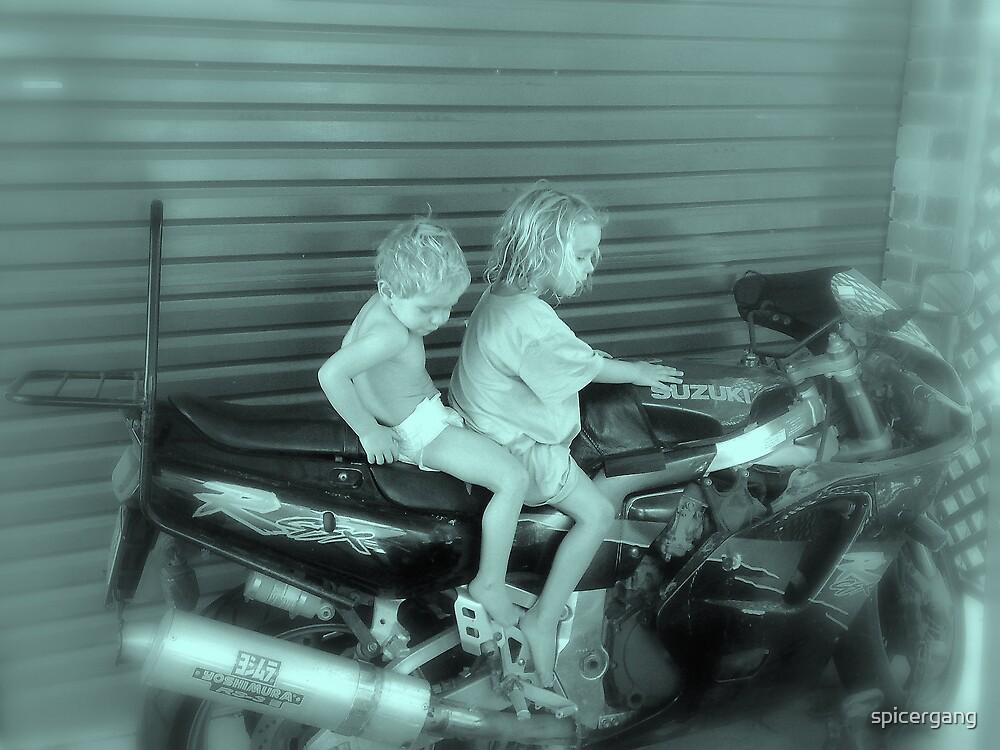Motorbike by spicergang