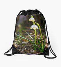 Beautiful blooming of White spring Snowflake Drawstring Bag