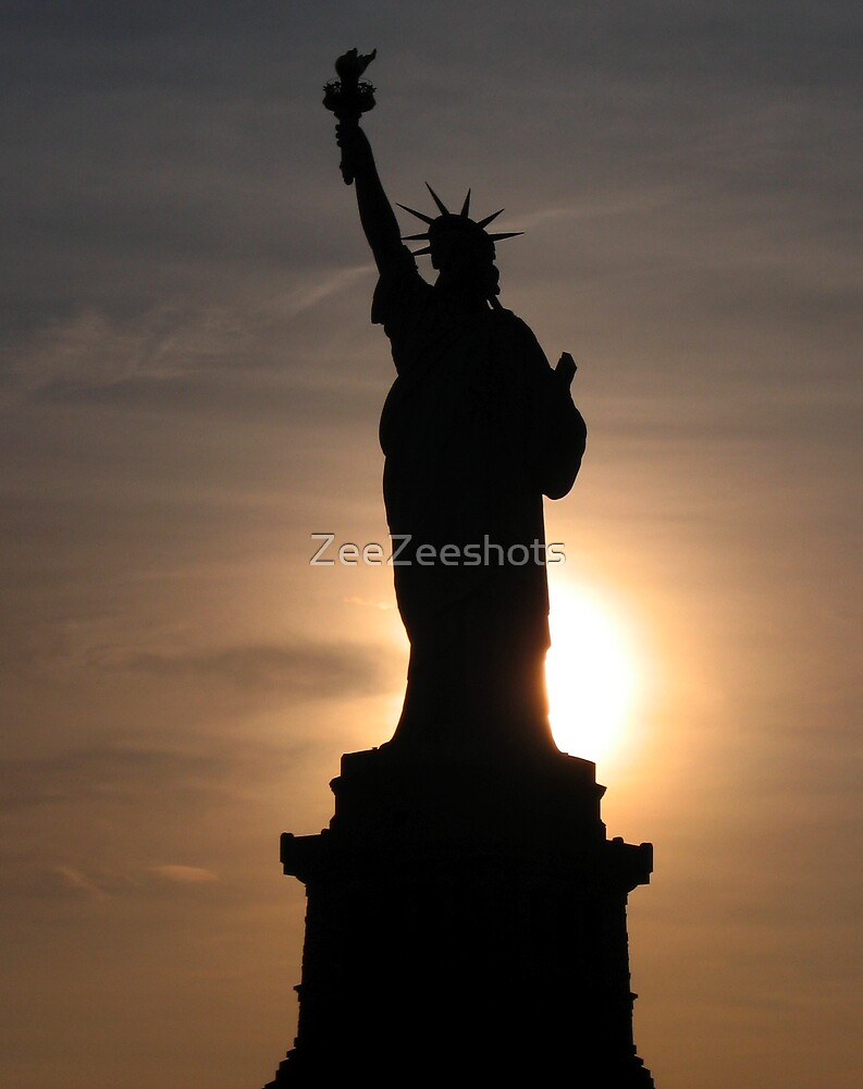 THE STATUE OF LIBERTY by ZeeZeeshots