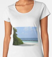 Beautiful beach in Maldives Women's Premium T-Shirt