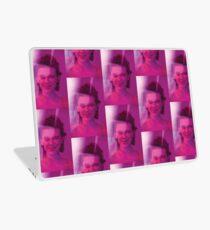 Vinilo para portátil Millie Bobby Brown Pink Photoshoot