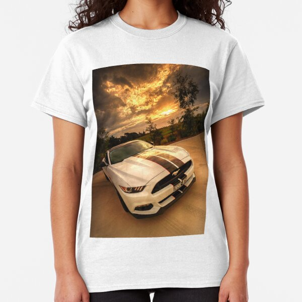 A Ford Mustang sunset Classic T-Shirt