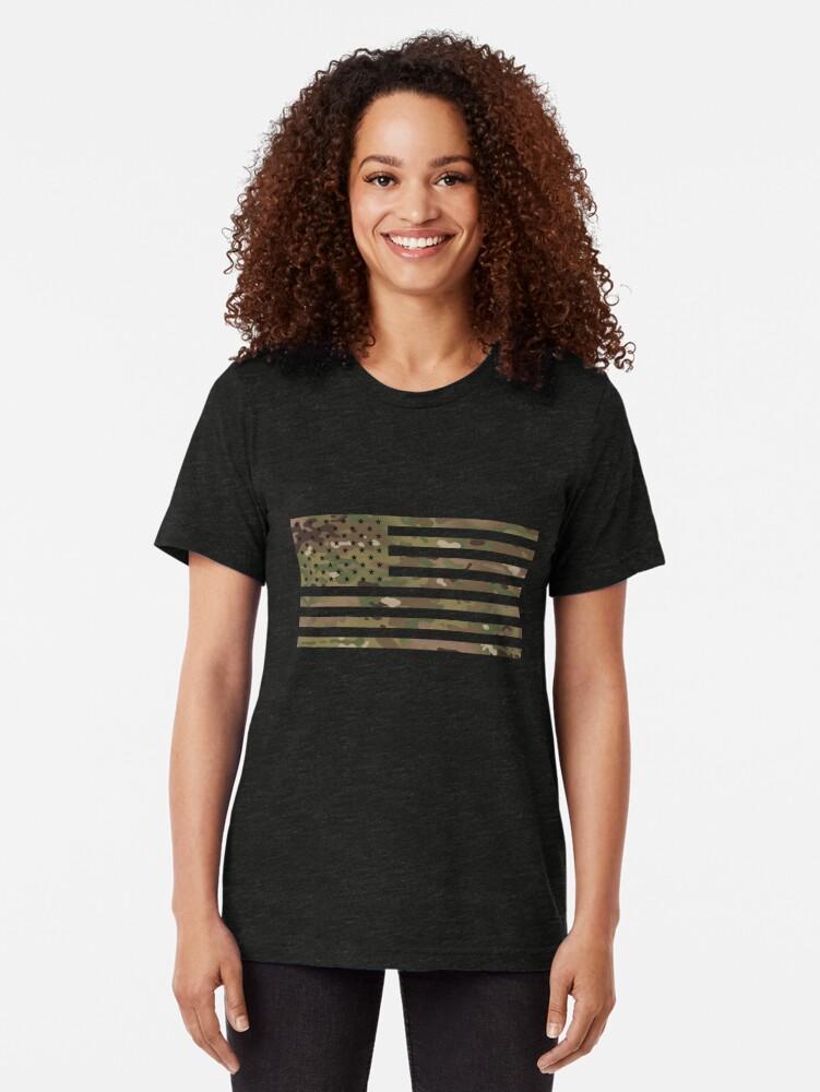 Vista alternativa de Camiseta de tejido mixto Bandera de EE. UU .: camuflaje militar