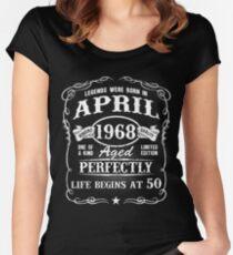 Camiseta entallada de cuello redondo Nacido en abril de 1968, las leyendas nacieron en abril de 1968