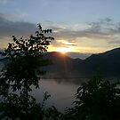 sun,clouds, fresh air n mountains...ahhh...the first sunset and... by HansBellani