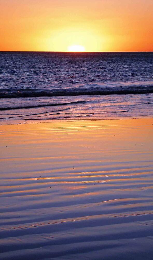 Beach Sunset by Leila Kennett