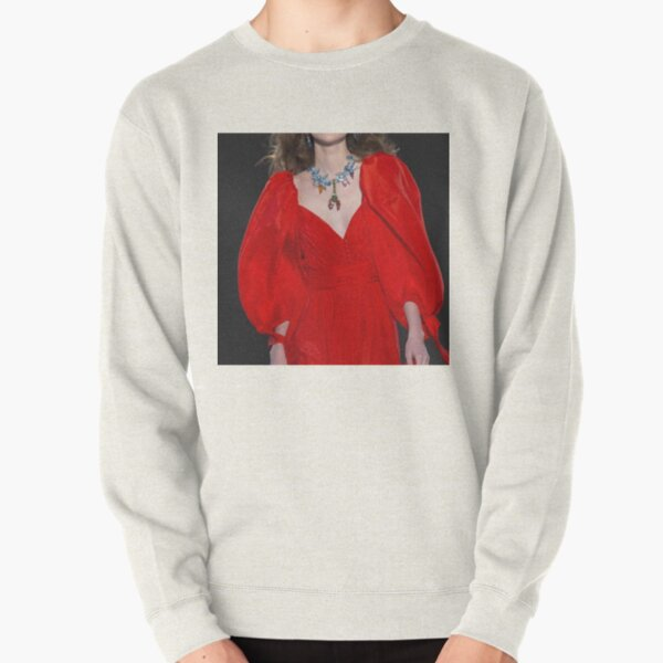 Red outfit, red dress Pullover Sweatshirt
