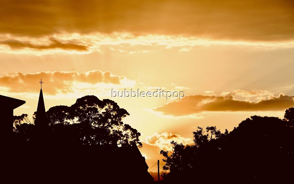 Golden Light by bubbleeditpop