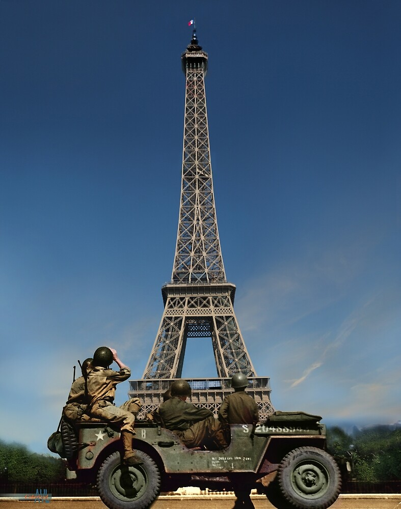 Tricolors back on the Eiffel Tower after France is liberated by lexmil
