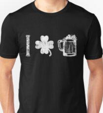 St. Patrick's day drinking vintage beer mug  Unisex T-Shirt