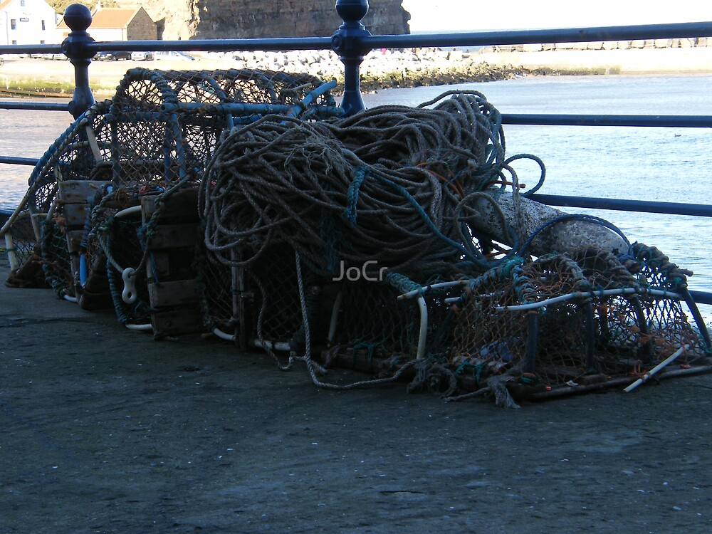 Crabbing in Whitby by JoCr