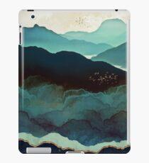 Indigo-Gebirge iPad-Hülle & Klebefolie