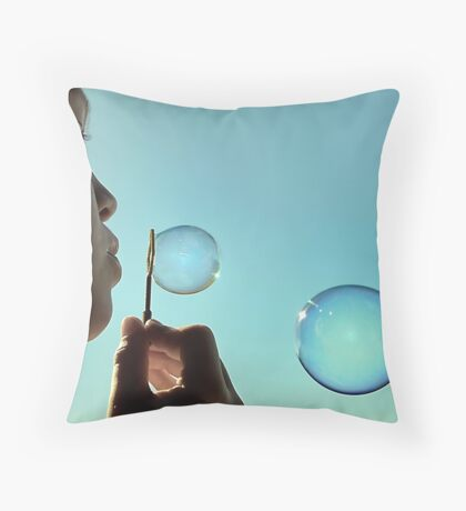 I dream of bubble Throw Pillow