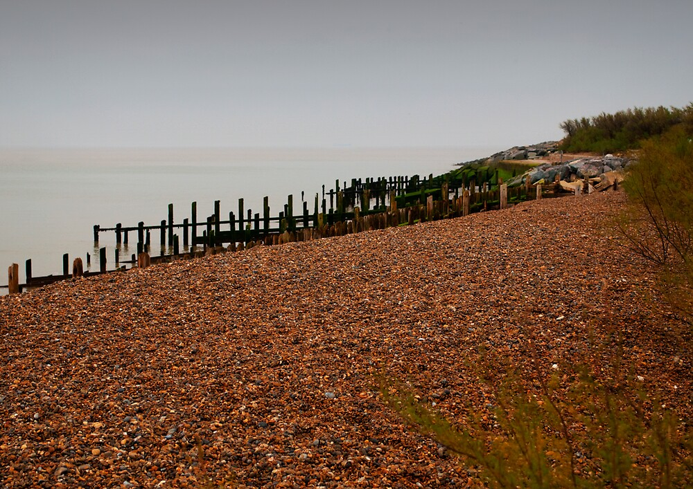 Dull Sea by lynxpilot