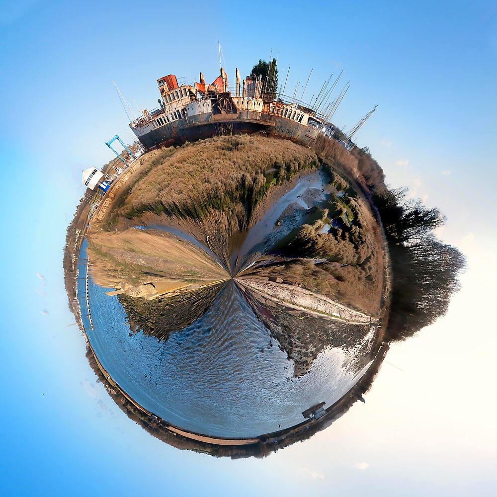Mini world of the PS Ryde by rydepier